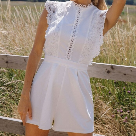 SHEIN Guipure Lace Detail Fold Pleated Romper